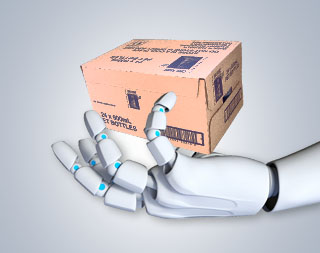 Рука робота держит коробку
